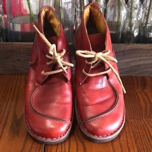 Pikolinos red hiking boots size 9 is euro 39